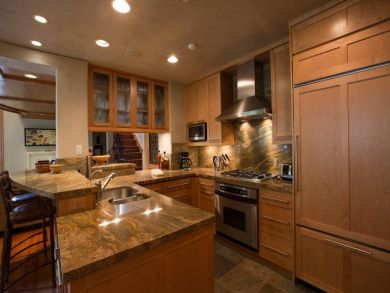 Ski In Ski Out Accommodationa in Vail Colorado that Sleeps 9