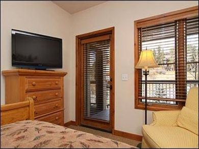 Guest bedroom with flat screen TV