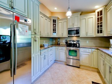 Equipped Kitchen with Stainless Appliances