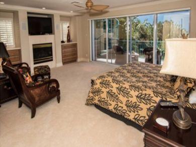 Large Bedroom wih King Bed