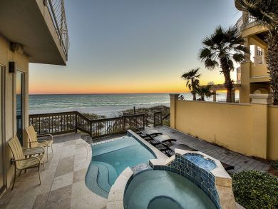 Luxury Beach House Rental with Seven Bedrooms