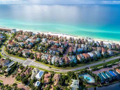 Elegant Beachfront with Gulf Views Luxury Rental in Destin