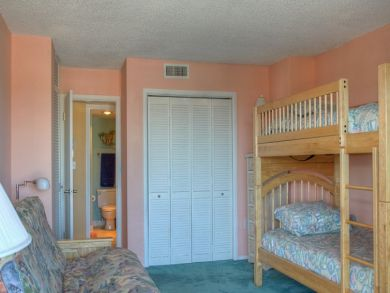 Guest bedroom with one set of bunk beds