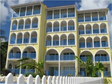 Excellent vacation penthouse in Christ Church, Barbados
