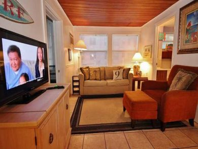 Rustic cottage for rent in Treasure Island, Florida