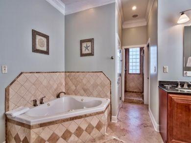Five Bedroom Destin Vacation Rental - 3500 sq ft!
