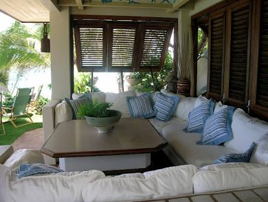 Porch with comfy furniture