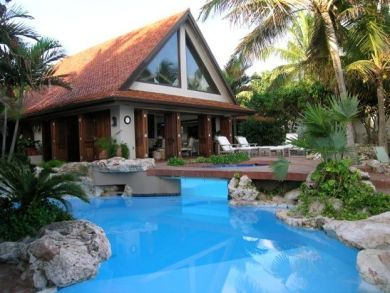 Beach front rental home with pool in Anguilla