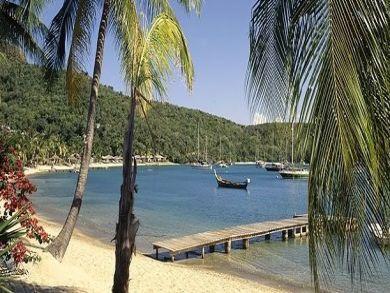 One minute walk to sandy beach
