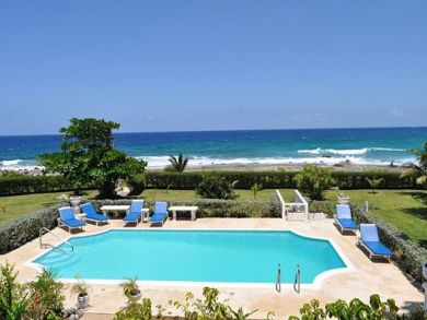 Beach front villa with pool in Ocho Rios, Jamaica