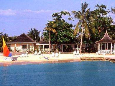 Jamaica vacation rental on beach