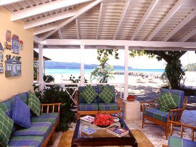 Ocean & pool view furnished veranda