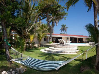 Hammock & sun loungers