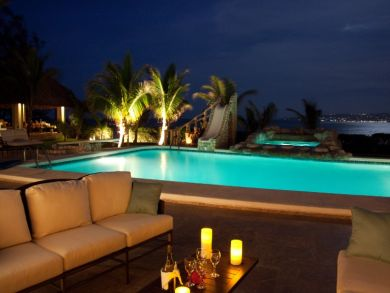 Beautiful beach front home with pool in Jamaica