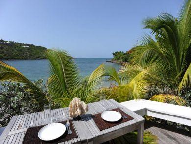 Beach front vacation villa in Marigot, St Barts