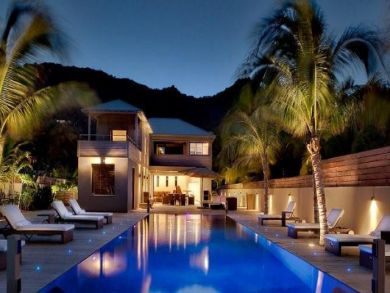 Contemporary villa with pool in Anse des Cayes, St Barts