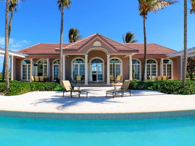 Ocean front vacation home with pool in Grand Bahama Island, Bahamas