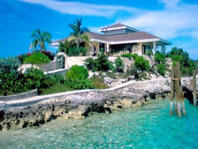 Beach front rental home in Exuma Cays, Bahamas