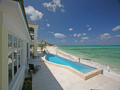 New Providence Island, Bahamas rental home with beachside pool