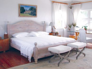 Bedroom 3 with king bed