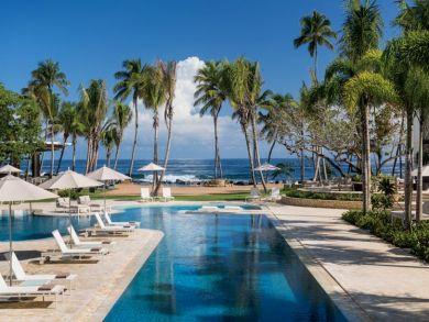 Beachside shared swimming pool