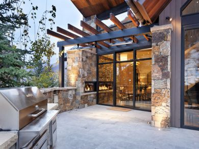 Aspen 7 Bedroom Ski Home with Hot Tub Sleeps 18 Guests
