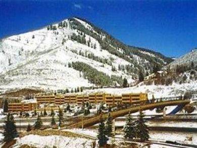 Mountain view rental condo for skiing in Vail, Colorado