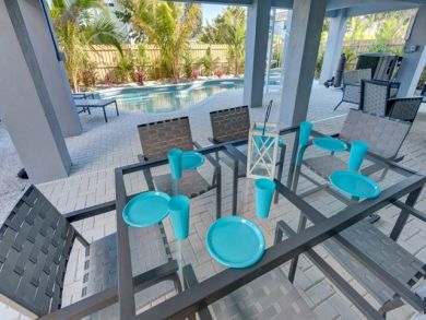 Outdoor Dining Seats 6