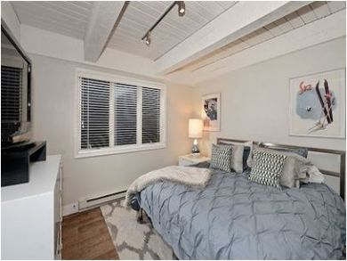 Two Bedroom Walk to Lift Condo in Aspen