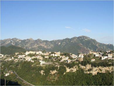 Hamlet & Mountain View
