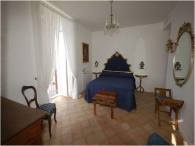 Bedroom Seven - Queen Bedroom