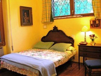 Bedroom Five - Queen Bed