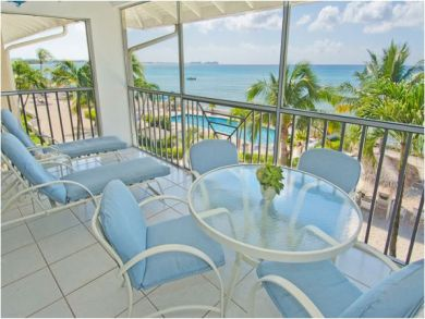 Sea Front Vacation Apartment in Seven Mile Beach, Grand Cayman, Cayman Islands