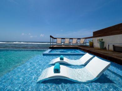 Luxury Four Bedroom Vacation Beach Villa Sleeps 12 Guests