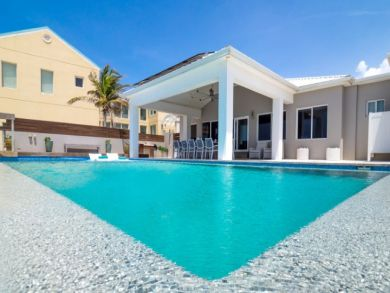 Luxury Four Bedroom Vacation Beach Villa Sleeps 12 Guests