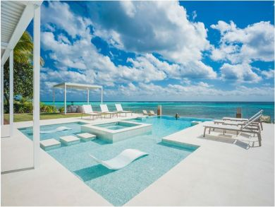 Cayman Island Luxury Vacation Villa with 6 Bedrooms
