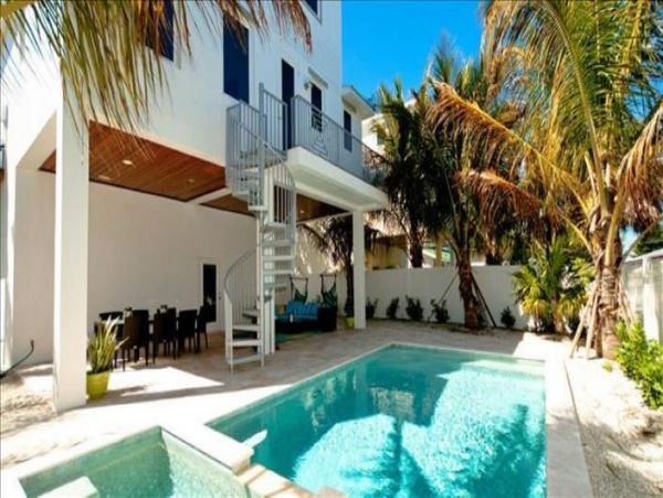 Anna Maria Luxury Four Bedroom Rental with Gulf Views
