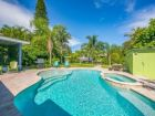 A stunning Beach House on Anna Maria with Private Pool