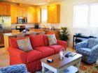 Three  Bedroom Luxury Rental Accommodation One Block Beach