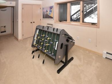 Vail Rentals Sleeps 12 Guests with Hot Tub