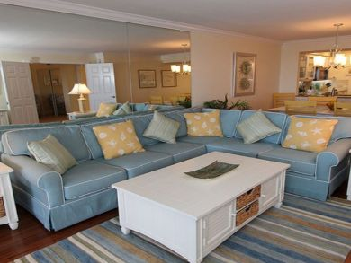 Three Bedroom Beachside Condo Sleeps 6 Community Pool