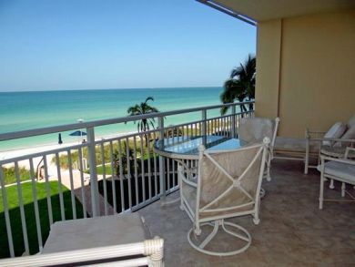 Luxury Beach Vacation Condo on Longboat Key- Full Gulf View