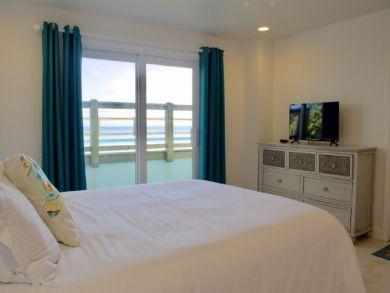 Seven Bedroom Beach Rental Islamorada OCEANFRONT!