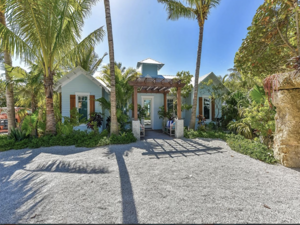 Stunning 10 Bedroom Estate on the Beach with Private Pool