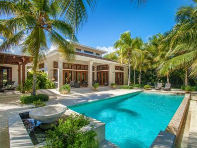 Punta Cana Luxury Overlooks La Cana Golf Course