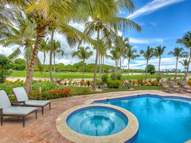 Three Bedrooms, Golf Course Views. Beach to Golf Retreat