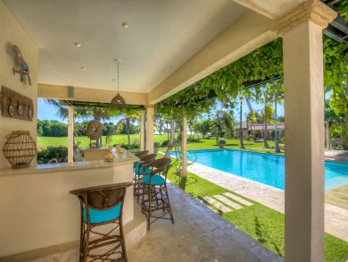 Five Bedroom Luxury Home with Pool and Golf Course View