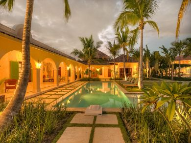 Great outdoor pool and four bedrooms! Punta Cana