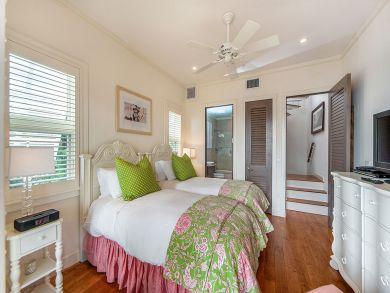 Bahamas Home 898529