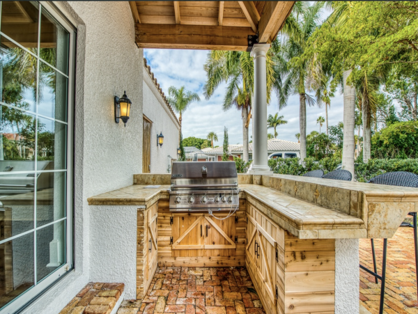 Stunning 4 Bedroom Home in St. Armands with Guest House